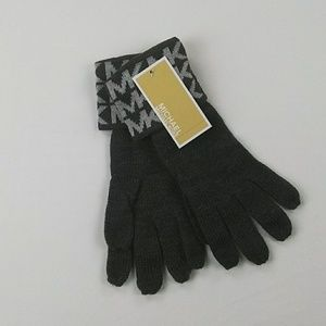 Micheal Michael kors gloves gray new with tags